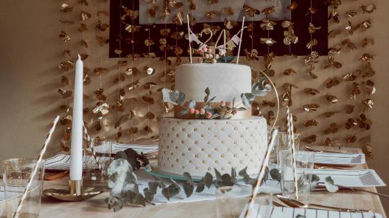 Geburtstagstorte in Weiß Gold